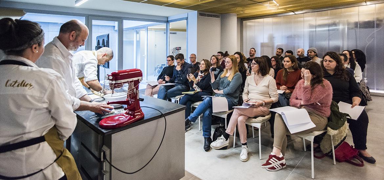 aula, curso, L' Atelier Barcelona, escuela y pastelería. Eric Ortuño